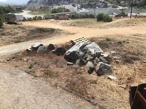 Landscaping boulders and stones for Sale in Spring Valley, CA