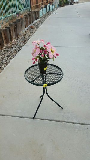 Patio table for Sale in Madera, CA