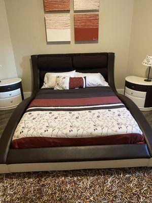Leather Queen bedroom set for Sale in Hoschton, GA