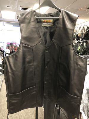 Genuine Leather Vest w/ Conceal Carry for Sale in Tinley Park, IL
