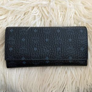MCM TRI FOLD WALLET BLACK for Sale in Charlottesville, VA