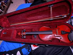 Child size beginner violin with case and extra strings for Sale in Menasha, WI