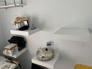 IKEA white floating shelves x4 for Sale in Anaheim, CA