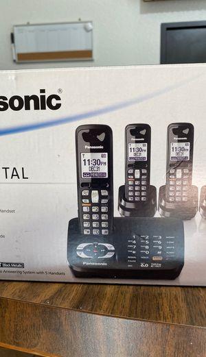 Three Panasonic cordless landline phones for Sale in Oregon City, OR