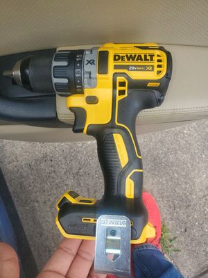 Drill dewalt xr nuevoo NO PILA NO CARGADOR for Sale in Dallas, TX