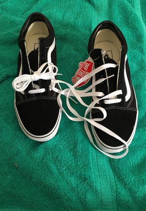 Black and white vans size 7.5men and size 9 women for Sale in Oakland, CA