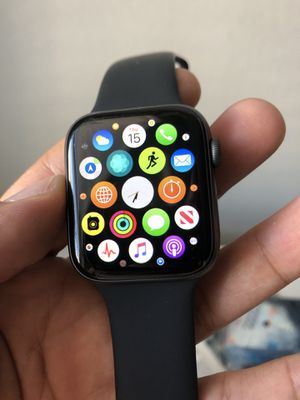 APPLE WATCH SERIES 4 44MM GPS CELLULAR LTE SPACE GRAY IWATCH USED for Sale in The Colony, TX