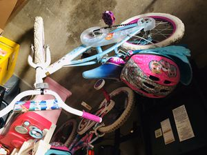16 inch bike with helmet for Sale in Memphis, TN