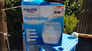 EQUATE BRAND Cool Moist Humidifier for Sale in Stockton, CA