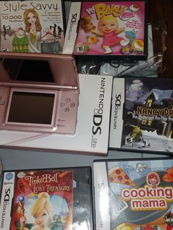 DS lite W Games for Sale in Stamford,  CT