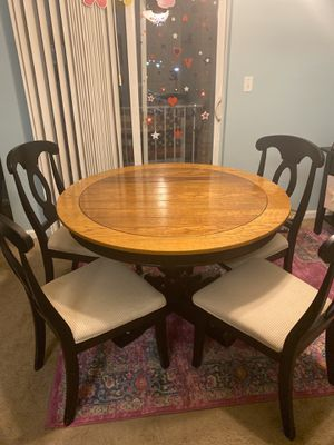 *UPDATED* Macy's Two toned dining set for Sale in Trenton, NJ