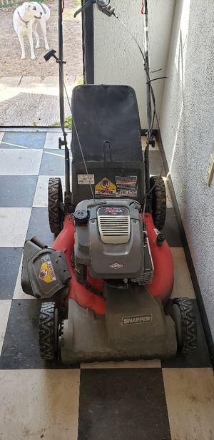 """Snapper 21"""" Gas Front Wheel Drive High Wheel Self Propelled Mower with Side Discharge, Mulching, Rear Bag for Sale in San Angelo, TX"""