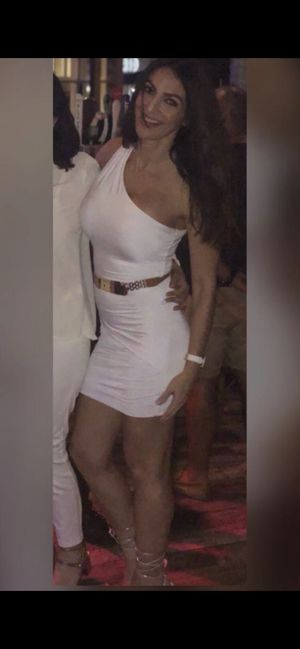 Guess sexy white club one shoulder dress for Sale in Pembroke Pines, FL