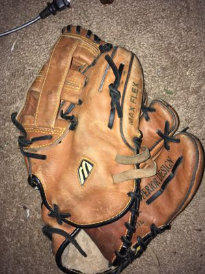 Baseball glove for Sale in High Point, NC