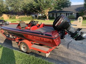 18' SKEETER BASS BOAT $6500 cash for Sale in Universal City, TX