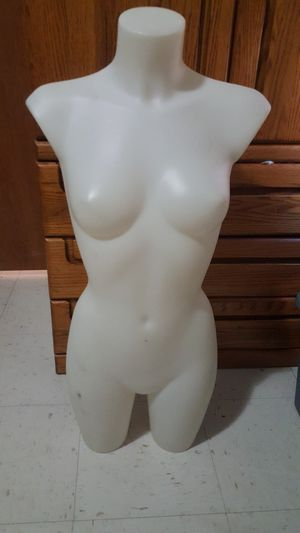 Female Manikin for Sale in Edinburg, TX