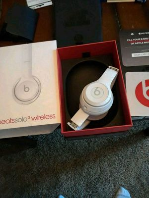 White solo beats 3 for Sale in Daly City, CA