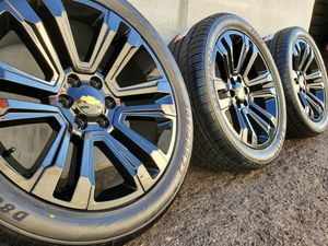 """22"""" GM Wheels and Tires 305/40 R22 for Sale in Orange, CA"""