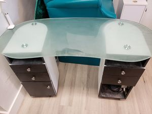 Manicure nail table for Sale in Plantation, FL