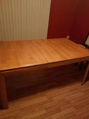 Dinning room table for Sale in Newport News, VA