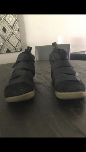 Nike Zoom Lebron Soldier 11 for Sale in Miami, FL