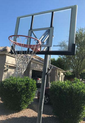 Basketball hoop adjustable and movable for Sale in Gilbert, AZ