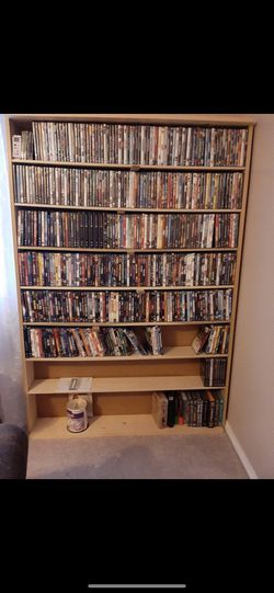 200 Plus Dvd's Barely Used for Sale in Saint Robert,  MO