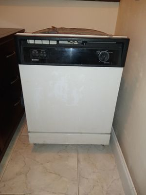 Kenmore Dishwasher for Sale in Pompano Beach, FL