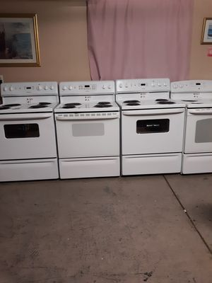 Electric stove for Sale in Madera, CA
