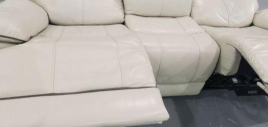 White Leather Dual Power Reclining Sofa With Power Headrests for Sale in Royal Oak,  MI