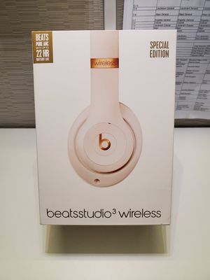 Authentic brand new Studio 3 beats by Dr Drw for Sale in Schaumburg, IL