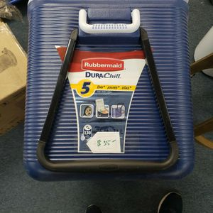 Rubbermaid Durachill 75qt 5 Day Cooler for Sale in Apple Valley, CA