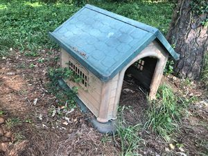 Dog house for Sale in Decatur, GA