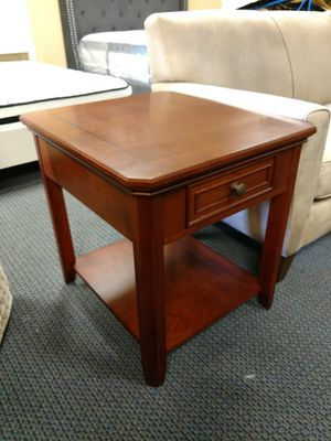 End table with drawer for Sale in Hayward, CA