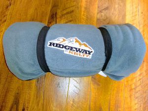 Ridgeway kelty 3 in 1 sleeping bag, blanket, liner for Sale in Puyallup, WA