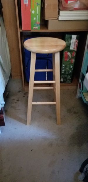 3 wood bar stools tall and like new condition for Sale in Chicago, IL
