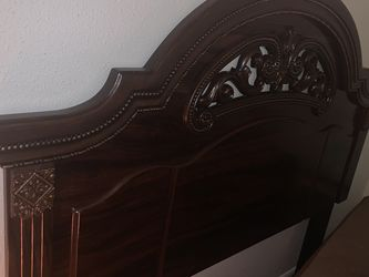 Queen Furniture Set for Sale in Dallas,  TX