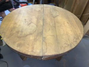Antique table needs finished 54 inch round for Sale in Parma, OH