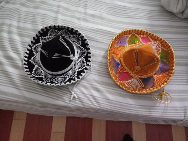 Dos Sombreros