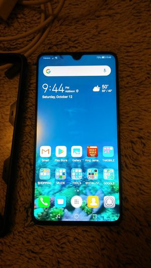 HUAWEI MATE 20 FACTORY UNLOCKED WITH 128GB for Sale in Addison, IL