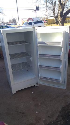 Frigidaire freezer for Sale in Oklahoma City, OK
