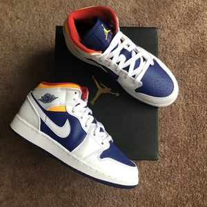 Jordan 1 Mid 'White Deep Royal' (GS 5 / W 6.5) for Sale in Los Angeles, CA