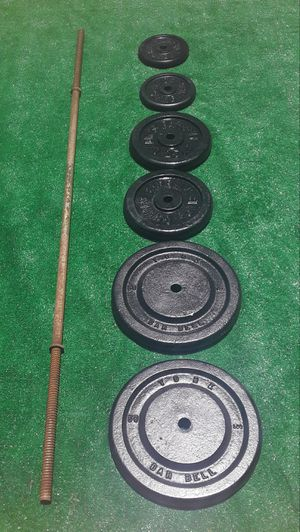 170lbs Standard Size Barbell Plate Weights with 6ft Bar 2x50lbs 2x25lbs 2x10lbs for Sale in Hollywood, FL