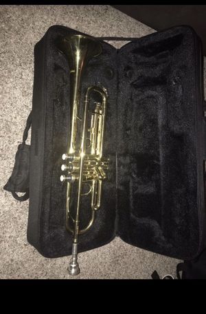 Mendini by Cecilio Bb Trumpet w/Tuner, Stand, Pocketbook, Deluxe Case for Sale in Tampa, FL