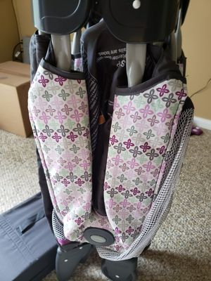 Graco pack and play playard with reversible bassinet and Diaper changer for Sale in Ashland, MA