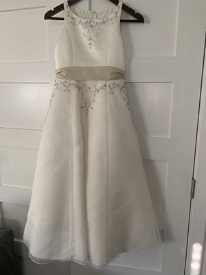 Mon Cheri Size 8 Flower Girl Dress with Basket for Sale in Glenview, IL