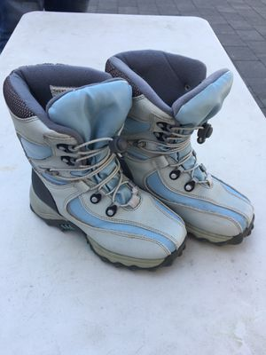 Snow Boots Kids Size 2 for Sale in San Leandro, CA
