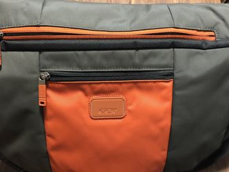 Tumi Messenger/Laptop Bag for Sale in Oakland,  CA