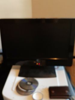24 Inch Emerson Tv for Sale in Spanaway,  WA