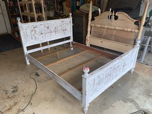 Queen size bed for Sale in Thomasville, NC